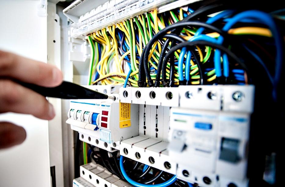 Il costo per installazione e dichiarazione di conformit - Certificato impianto elettrico a norma ...